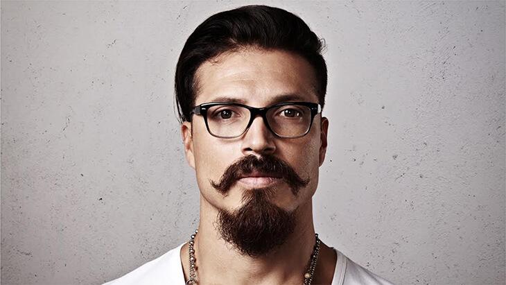 modelo de barba Van Dyke