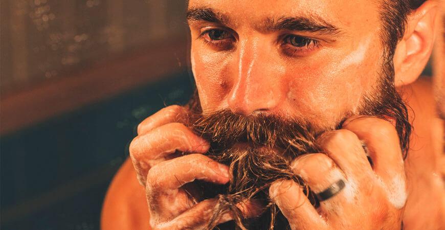 lavando a barba